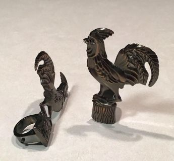 METAL ROOSTER CURTAIN ROD DECOR