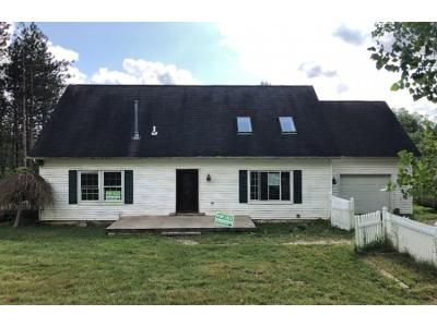 4 Bed 2 Bath Foreclosure Property in Chaffee, NY 14030 - Warner Gulf Rd