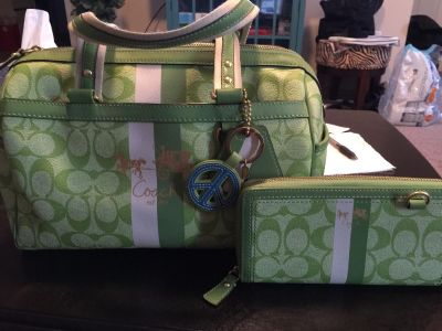 Authentic Green Heritage Stripe doctor bag and matching wallet.