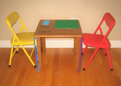 Solid Wood LEGO Table & 2 Chairs + 1 LEGO Set