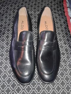 Brand New Genuine Black Leather Penny Loafers Perfect condition / Size 11-11.5