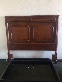Queen Headboard (excellent quality & condition)