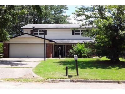 4 Bed 2.5 Bath Foreclosure Property in Muskogee, OK 74403 - Erie St