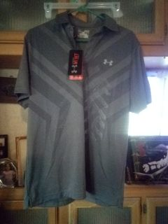 Under Armour Vent Hear Gear Golf Shirt. Brand new with tags Sz Med loose fit