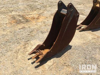 """12"""" Rear Backhoe Bucket"""