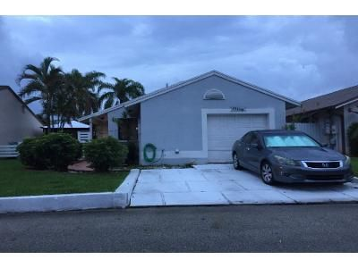2 Bed 2 Bath Preforeclosure Property in Hollywood, FL 33025 - SW 10th St