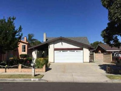 1211 Kipling Place Oxnard Four BR, Welcome Home!