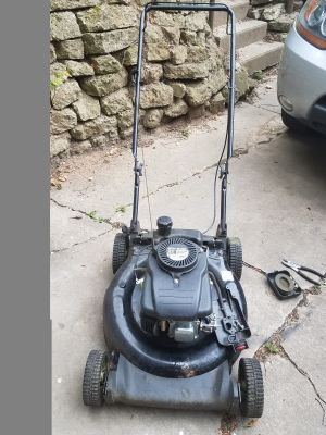 Fixer uppers!! Mowers are $25 have 3