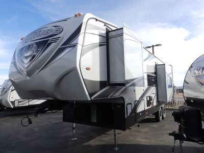 2019 Eclipse ATTITUDE 32SAG, 2 SLIDES, CORIAN COUNTERTOPS, ONAN 5500 GEN, 2 A/C'S, 160 WATT SOLAR PANEL, RAMP DOOR PATIO CABLES