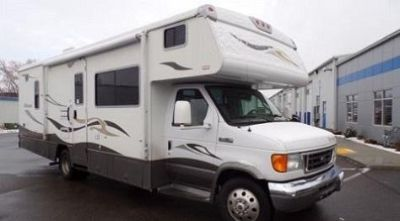2008 Winnebago Outlook 329 B