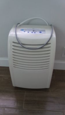 Dehumidifier - like new, multi settings with Manual