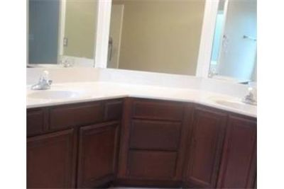 Move in ready home in great location and amazing neighborhood. Washer/Dryer Hookups!