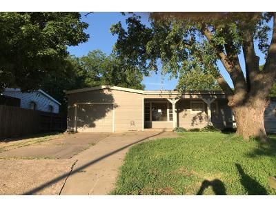 3 Bed 2 Bath Foreclosure Property in Mulvane, KS 67110 - S 4th Ave