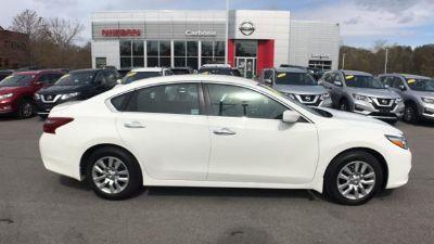 2018 Nissan Altima 2.5 (Glacier White)
