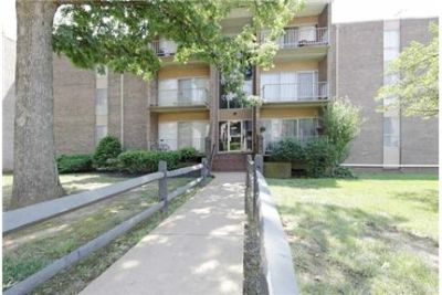 Forest Lake Apartments offer 1, 2 and 3 Bedroom Apartment Homes. Parking Available!