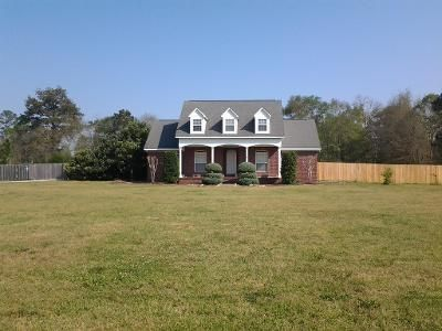 3 Bed 2.5 Bath Preforeclosure Property in Stapleton, AL 36578 - Styx River Rd