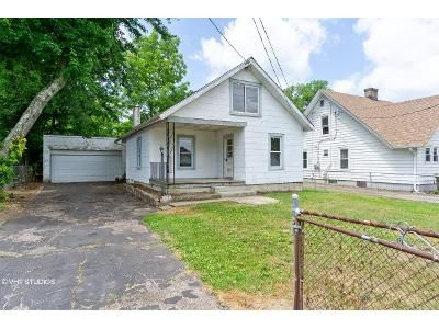 2 Bed 1 Bath Foreclosure Property in Amelia, OH 45102 - Maple Ave