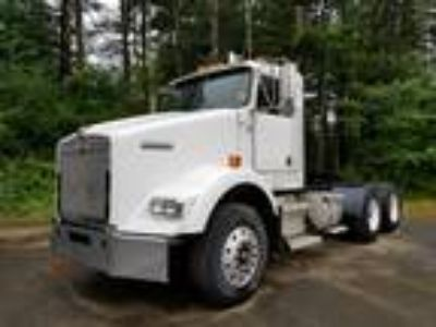 New 2004 Kenworth T800 for sale.