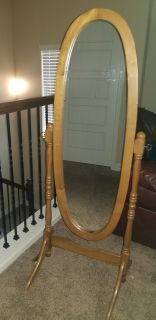Beautiful Mirror with stand. Euc