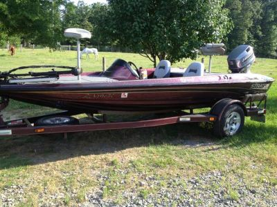 Stratos bass boat w 115 Johnson