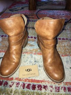 UGG ELORA FASHION BOOT BUY BOTH TODAY FOR 80 dollars genuine leather 8 1/2