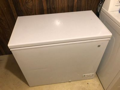 GE 7 CU Ft manual Garage Freezer. X-Posted