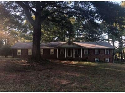3 Bed 2 Bath Foreclosure Property in Anderson, SC 29621 - Fleming Dr