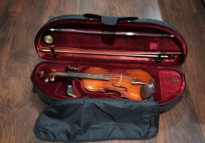 Violin full size with bow and case