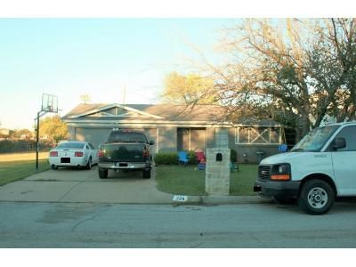 3 Bed 2 Bath Preforeclosure Property in Fort Worth, TX 76134 - Chevy Chase Dr