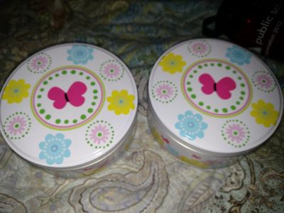 2 pretty tins/price for both