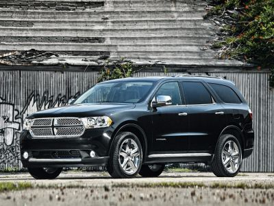 2013 Dodge Durango SXT (Brilliant Black Crystal Pearlcoat)