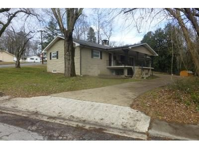 3 Bed 1.5 Bath Preforeclosure Property in Oak Ridge, TN 37830 - New York Ave