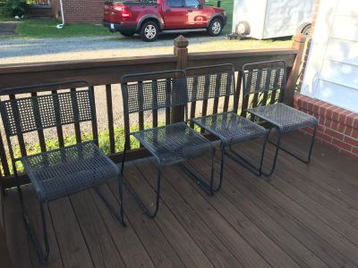 Patio Furniture - 4 chairs 2 tables 1 plant stand