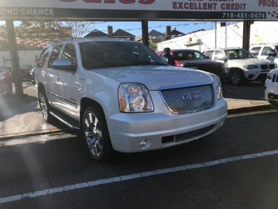 2011 GMC Yukon Denali Hybrid (Summit White)