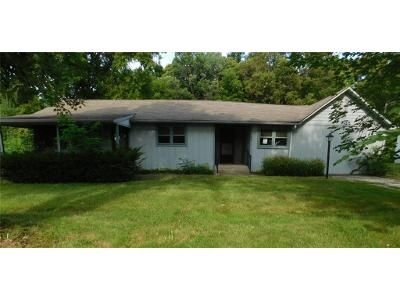 3 Bed 1 Bath Foreclosure Property in Charlottesville, IN 46117 - S Carthage Rd