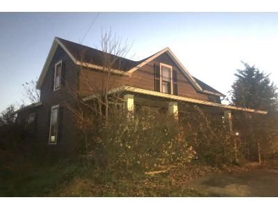 2 Bed 1.0 Bath Preforeclosure Property in Madison, IN 47250 - Clifty Dr