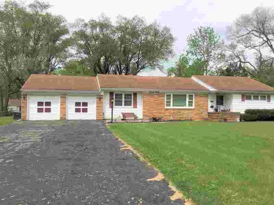 1630 Franklin Danville Two BR, extremely nice well kept house