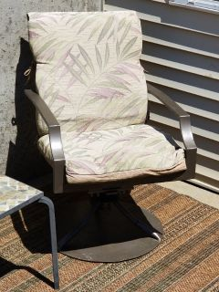 REDUCED SWIVEL LAWN CHAIRS