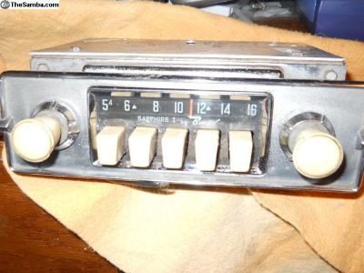 FM COnversion 4 x 45 watts stereo w/ aux in