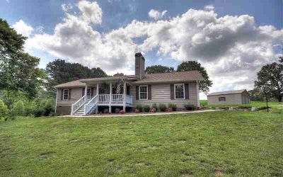 2791 Knight Road ELLIJAY Three BR, Almost New Ranch home