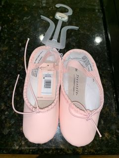 New with tags ballet slippers. Can also ship