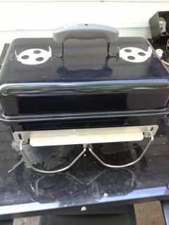 Weber portable charcoal grill like new great for camping or tailgating