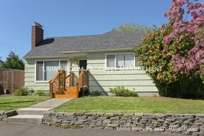 Mid-Century Cutie in the Heart of Woodlawn with Private Backyard and A/C!