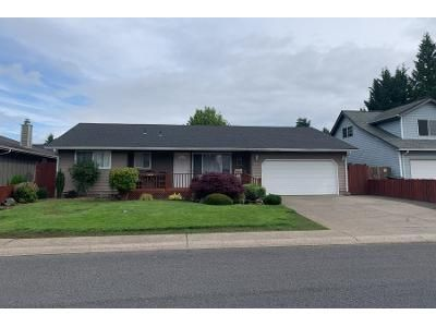 3 Bed 2 Bath Preforeclosure Property in Kelso, WA 98626 - Alturas Dr