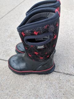 Bogs classic toddler size 9