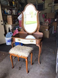 Darling antique vanity with bench