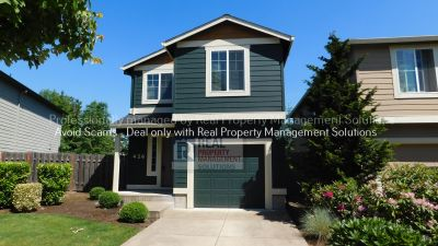 Beautiful 3 Bed/ 2.5 Bath Home in Picturesque Neighborhood in Newberg!