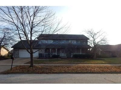 6 Bed 3.5 Bath Foreclosure Property in Tinley Park, IL 60477 - 174th St
