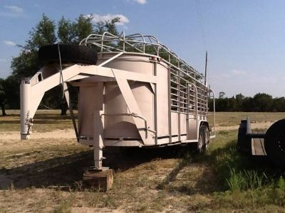 Gooseneck Cattle Trailer