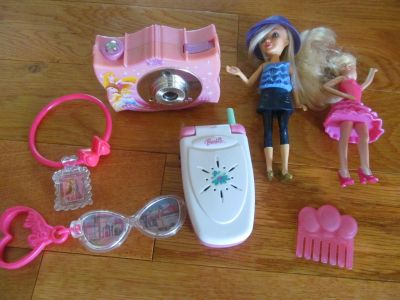 Misc Barbie Items *price is for all